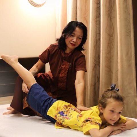 Детский oil-massage (масляный массаж)
